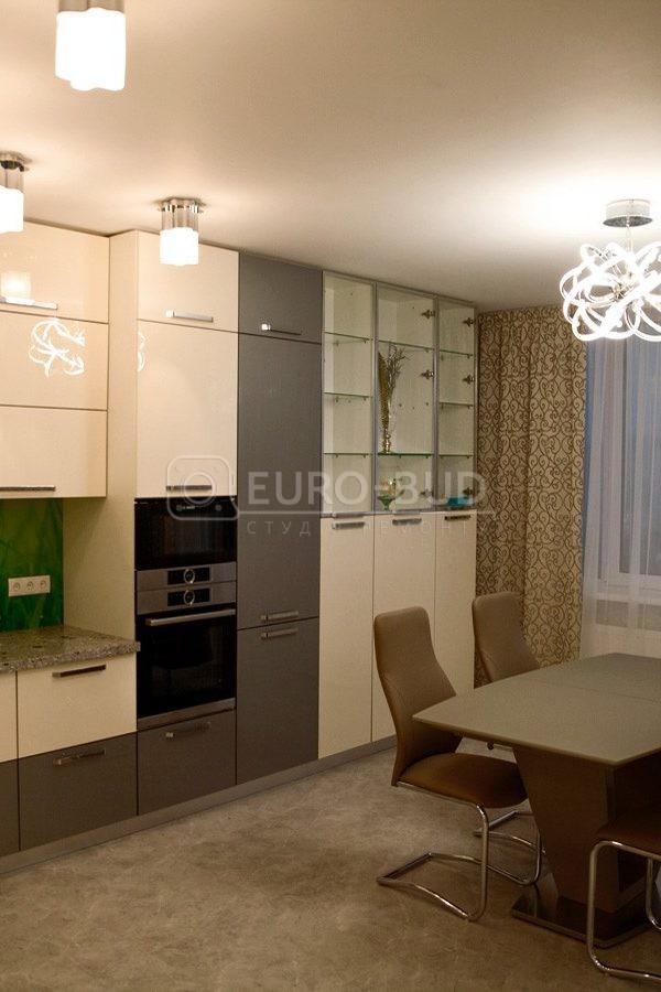 Трехкомнатная квартира, 100 м2, г. Киев, Голосеевский проспект